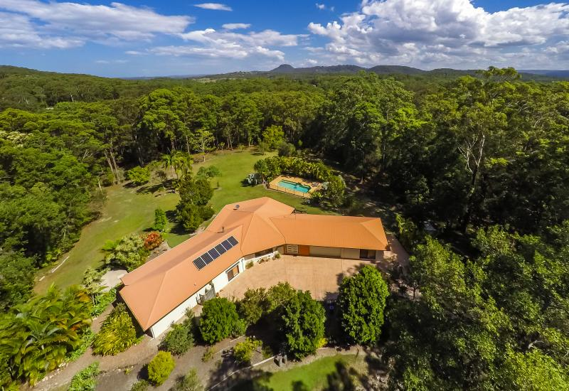 PRIVATE 10 ACRES WITH POOL