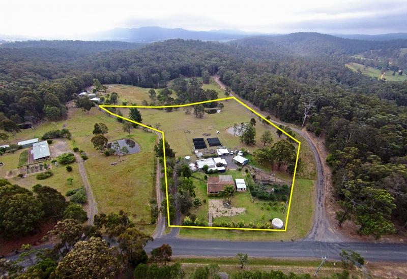 Hobby Farm - 6.25 Acres - 2 Dams