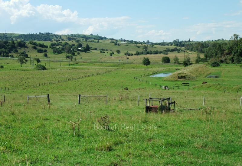 ACREAGE FOR SALE IN BOONAH 5.6 ACRES WITH VIEWS