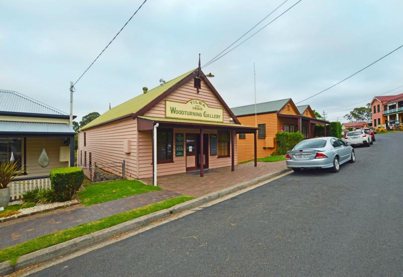 FREEHOLD + BUSINESS + One Bed Unit - Central Tilba