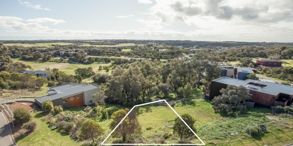 North-facing Moonah Links block