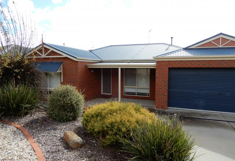 Immaculate 3 Brm home ideal for family or first home buyers