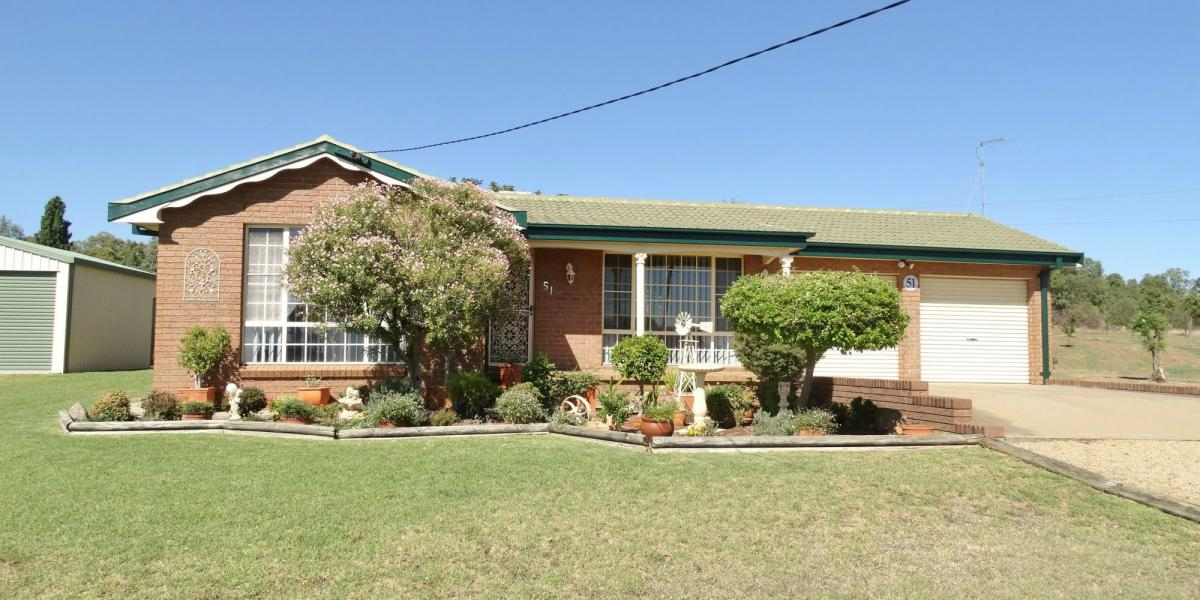 IMMACULATELY MAINTAINED AND FEATURE PACKED