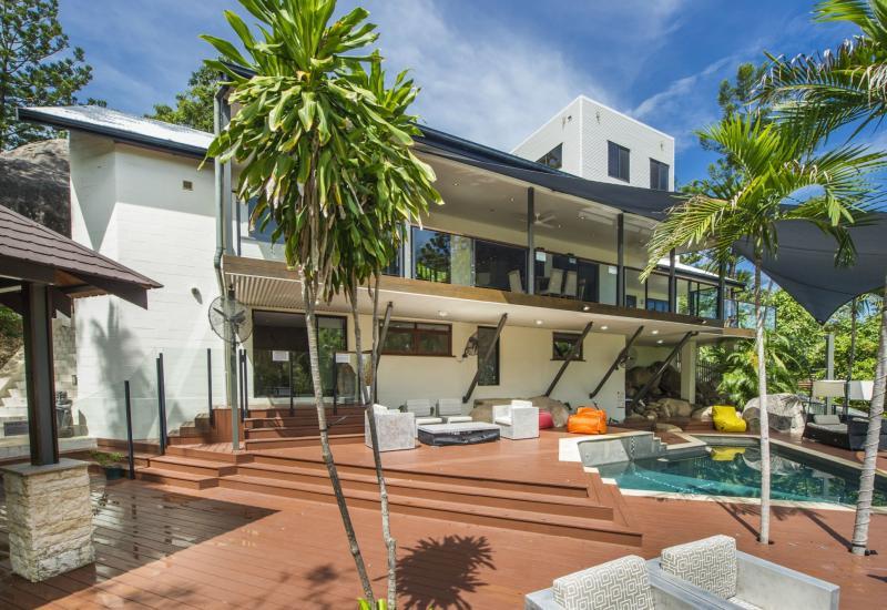 Nahmahlu - Luxurious Holiday Home For Sale