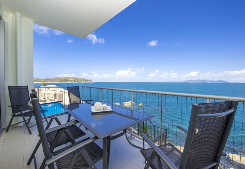 Premium Position - Luxury Oceanfront Apartment