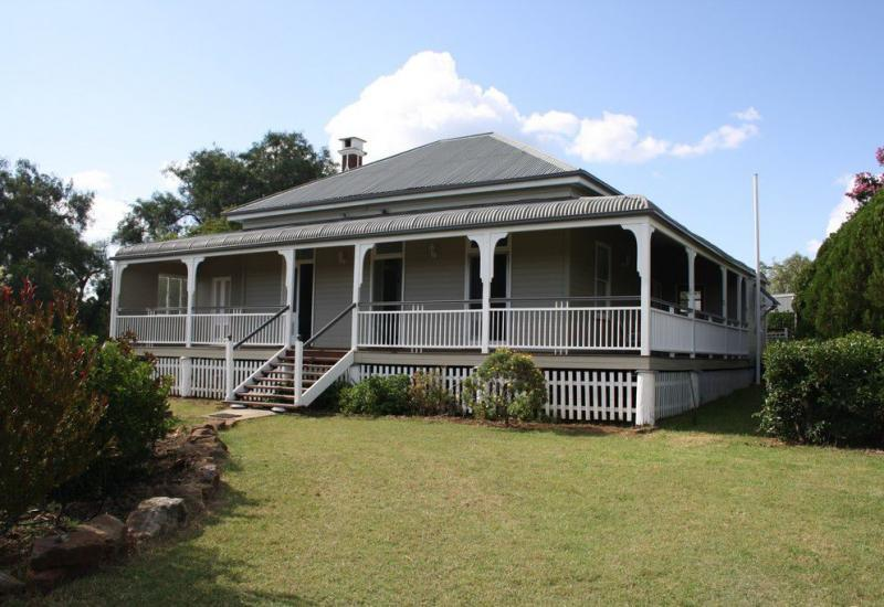 Lifestyle With Renovated Queenslander